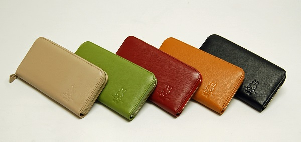 リーブスラウンド財布